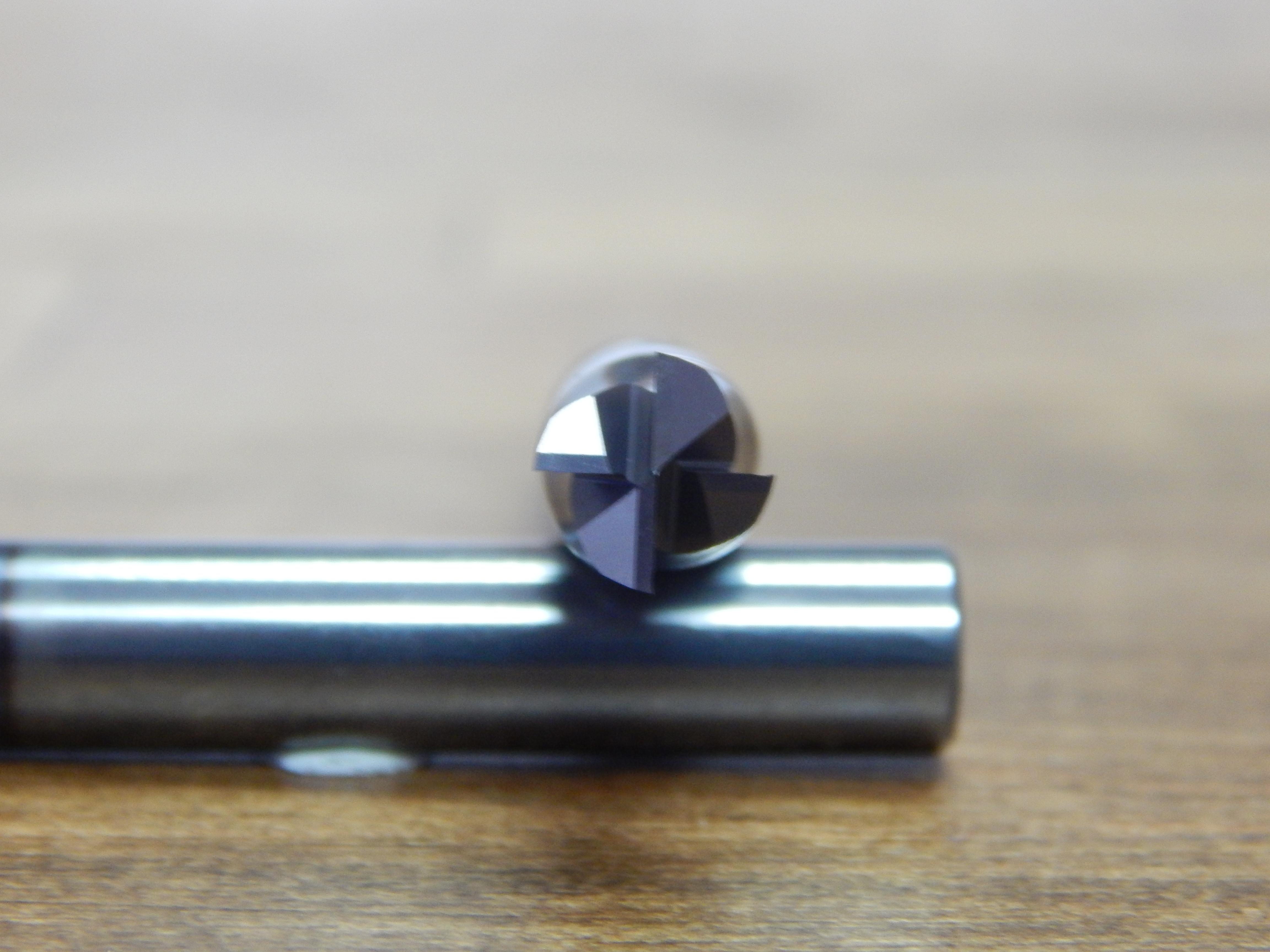 AlTiN Coated RedLine Tools Round Shank Type 2.0000 OAL .2500 1//4 RE20416 Single End Corner Radius Carbide End Mill 5 Flute .5000 LOC .0200 Radius
